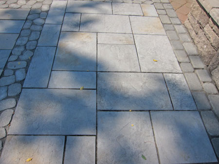 Here Is An Example Of How The Large Bluestone Sized Paver Can Be Combined  In An Interesting Pattern With Other Concrete Pavers For A Patio Design.