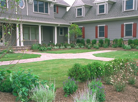 Eye-cathching front yard design.