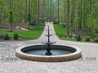Circular driveway courtyard fountain