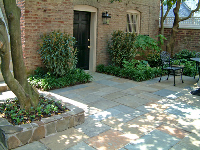 Patterned bluestone patio which is dry laid. - Tips For Great Bluestone Patios
