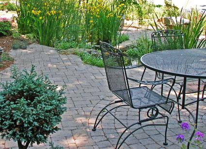 small patio design tips - Small Patio Design Ideas