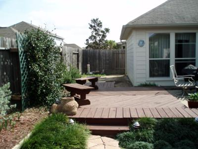 Small yard deck or pavers - Small backyard landscape designs ...