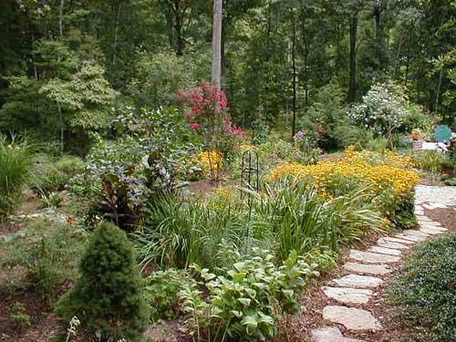 Creative Walkways inexpensive stone walkways and types