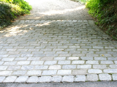 cobblestone driveway used at entry
