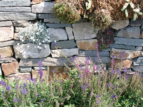 natural stone retaining wall
